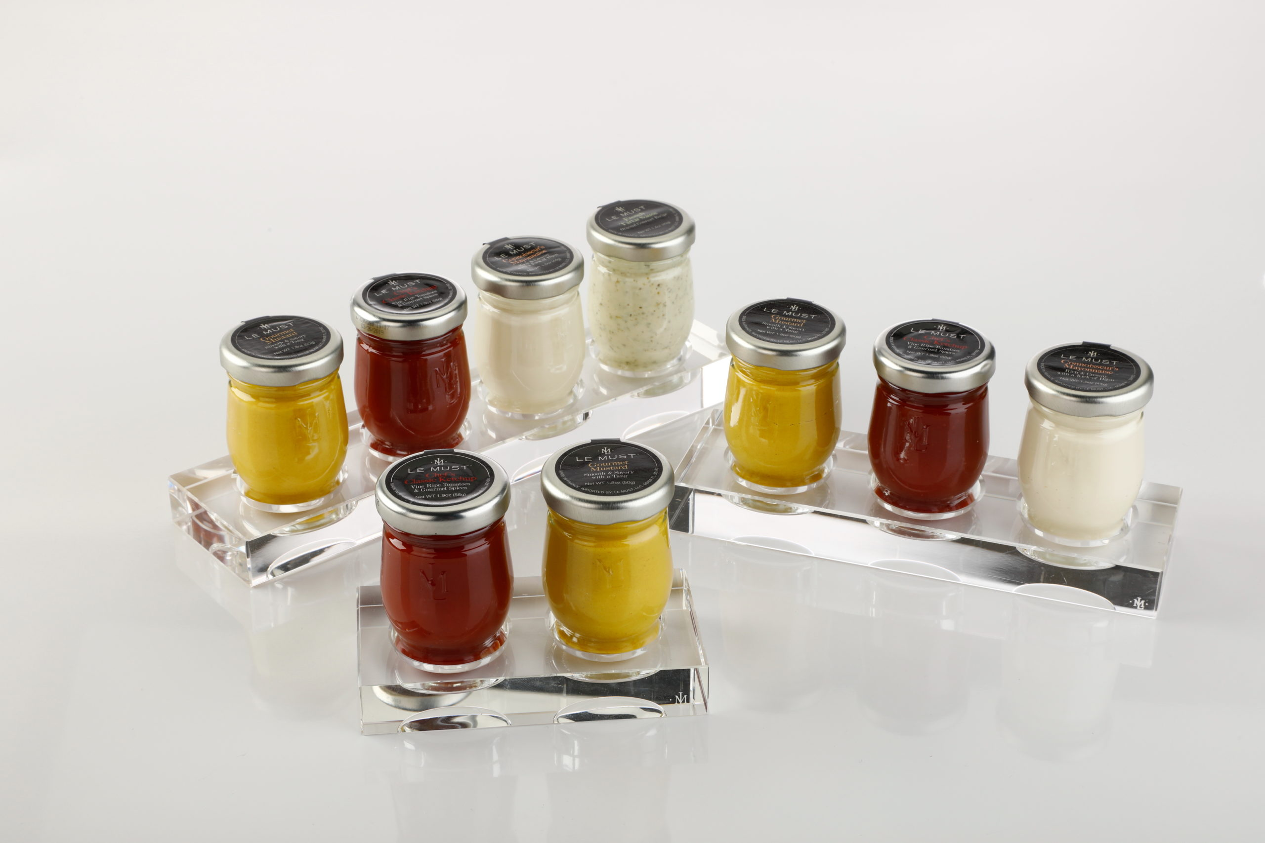 le must Cristal displays for condiments